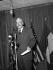 John Foster Dulles, Secrétaire d'Etat américain prononçant un discours à Paris, le 9 décembre 1956. © Roger-Viollet