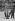 Employé de voirie chargé du ramassage des corbeilles, Paris, 1907. © Jacques Boyer/Roger-Viollet
