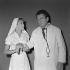 """La Bonne Tisane"", film de Hervé Bromberger. Jacques Fabbri et Estella Blain. France, 1957. 28 août 1957. © Alain Adler/Roger-Viollet"