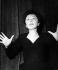 Edith Piaf (1915-1963), chanteuse française. 1956. © Ullstein Bild/Roger-Viollet