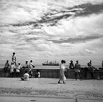 Quays near the harbour of Pondicherry (India), 1961. © Roger-Viollet