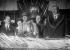 Le soldat Auguste Thin désignant le Soldat inconnu, en présence d'André Maginot, pour les cérémonies du 11 novembre 1920. Douaumont (Meuse), 8 novembre 1920. © Maurice-Louis Branger/Roger-Viollet