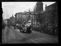 World War One. Parade of French tanks on Gutenberg-Platz. Mainz (Germany), between December 8 and mid-December 1918. © Excelsior – L'Equipe/Roger-Viollet