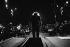 Léo Ferré (1916-1993), chanteur et compositeur français, dirigeant un orchestre. France, 1976. © Patrick Ullmann / Roger-Viollet
