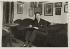 Jean Giraudoux (1882-1944), écrivain et diplomate français, chez lui. Paris, vers 1910. © Albert Harlingue / Roger-Viollet