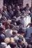 Marches de Selma à Montgomery pour les droits civiques. Martin Luther King (1929-1968), pasteur américain, priant sur les marches de la chapelle Brown avant le départ. Selma (Alabama, Etats-Unis), 21 mars 1965. © 1976 Matt Herron / Take Stock