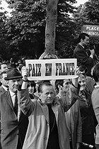 """Events of May-June 1968. Rally supporting President Charles de Gaulle, place Clemenceau. Paris (VIIIth arrondissement), on May 30, 1968. Photograph by Bernard Hermann, from the collections of the newspaper """"France-Soir"""". Bibliothèque historique de la Ville de Paris. © Bernard Hermann / Fonds France-Soir / BHVP / Roger-Viollet"""