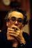 Michel Legrand (1932-2019), musicien, compositeur, pianiste de jazz et chanteur français, dans un studio d'enregistrement. Londres (Royaume-Uni), décembre 1980. Photographie de Clive Barda. © Clive Barda / TopFoto / Roger-Viollet