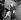 Jean Seberg (1938-1979), actrice américaine, à la gare de Victoria Station. Londres (Royaume-Uni), 21 septembre 1963. © TopFoto / Roger-Viollet